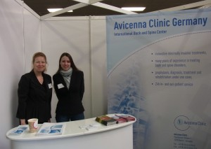 Messestand der Avicenna Klinik in London
